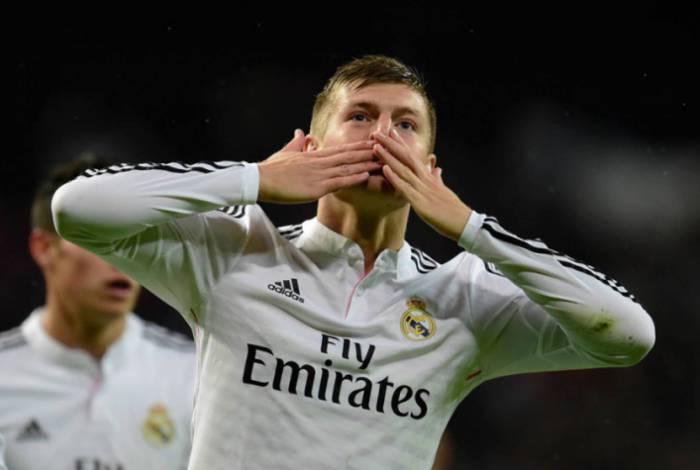 O alemão Tony Kroos é um dos destaques do desfalcado Real Madrid, que tenta tirar do Barcelona de Messi a liderança do Campeonato Espanhol, hoje, no Santiago Bernabéu