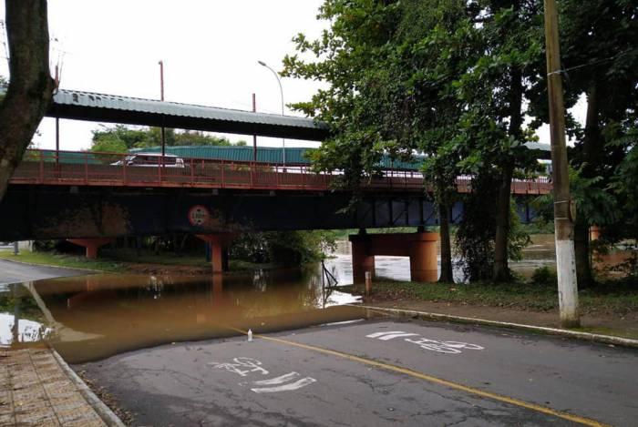 Chuva provoca interdições em Volta Redonda