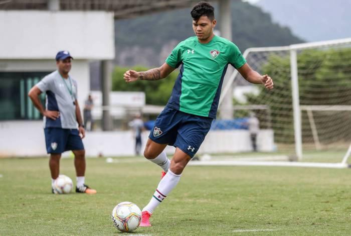 Evanilson no treino do Fluminense