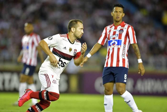 Everton Ribeiro, craque digno da tradição do futebol brasileiro
