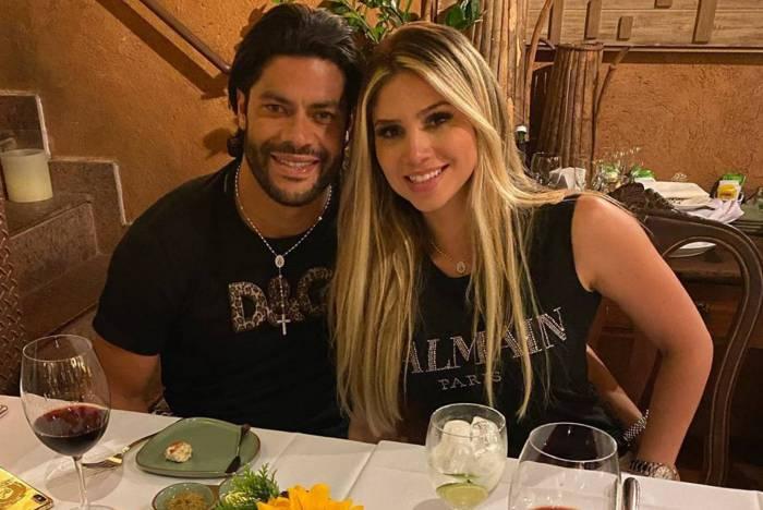 Hulk e Camila Ângelo em jantar romântico