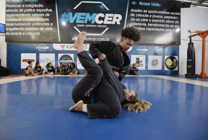 Projeto Vencer tem aulas de diversos estilos de artes marciais