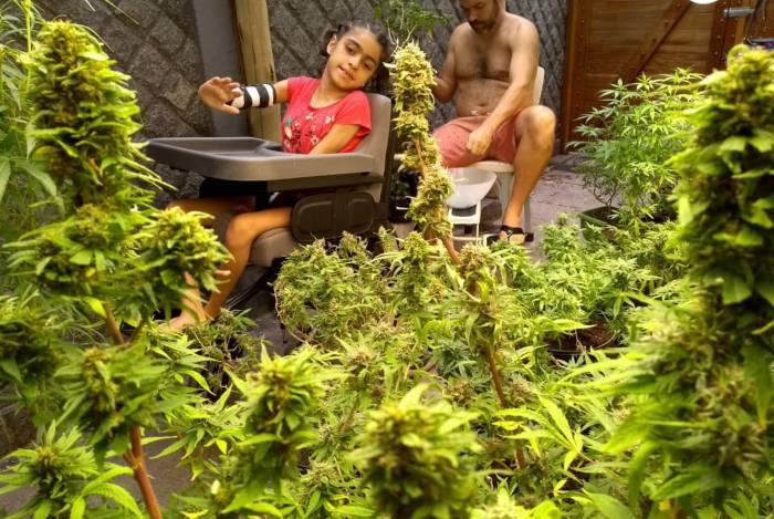 Há cinco anos, a menina Sofia, de 11 anos, usa a cannabis medicinal para amenizar crises de convulsão