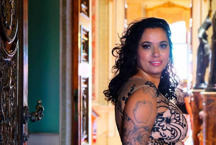 A artista plástica Panmela Castro, que está com a exposição 'Relatos Retratos', no Museu da República