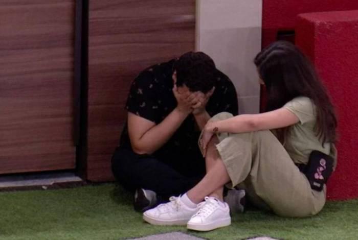Victor Hugo chora com a eliminação de Guilherme