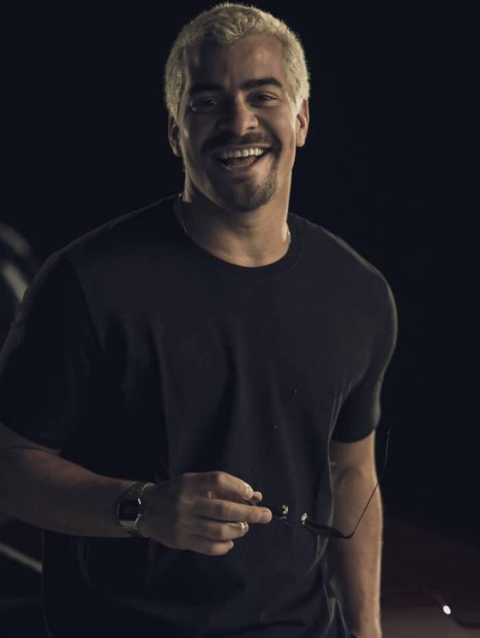 Thiago Martins, o Ryan da novela das 21h: destaque em roda de samba