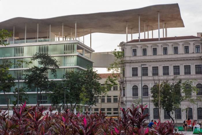 Museu de Arte do Rio está com nova bandeira, a ser apresentada neste sábado