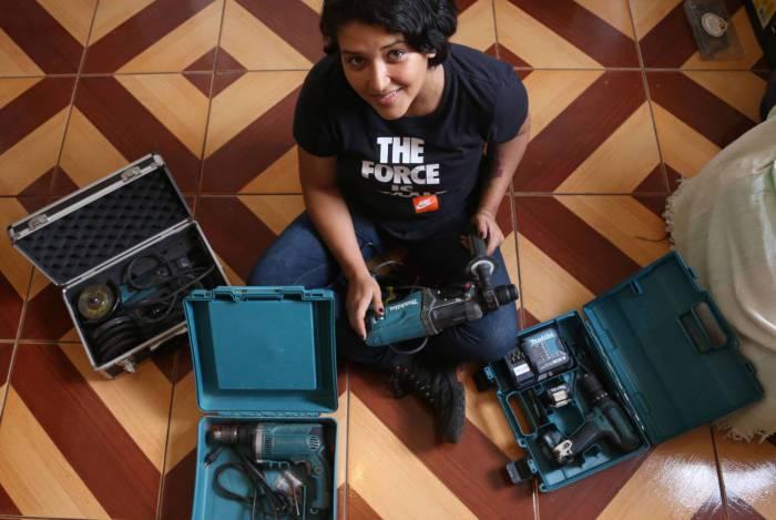 Isis Pioneli, 29 anos, não conseguia um emprego na sua área de formação
