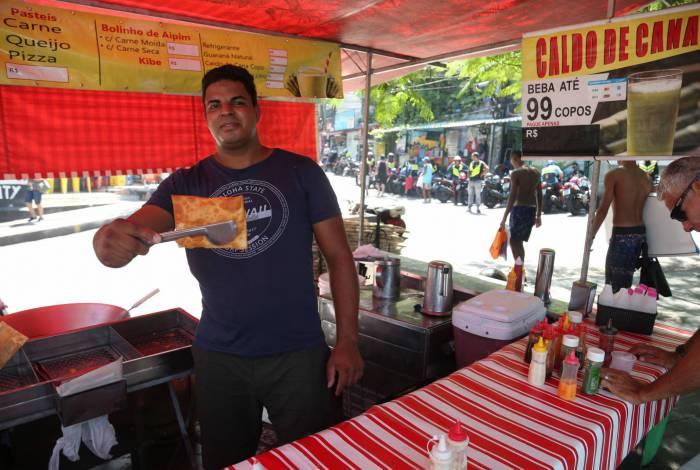 Ricardo Batista espera vender mais pastéis com a reabertura da avenida: 'As coisas vão melhorar'