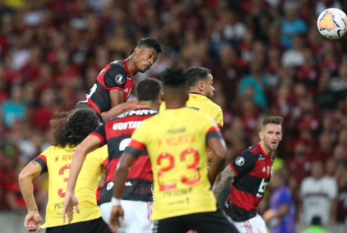 O Flamengo, de Bruno Henrique, não tem adversários na América do Sul atualmente