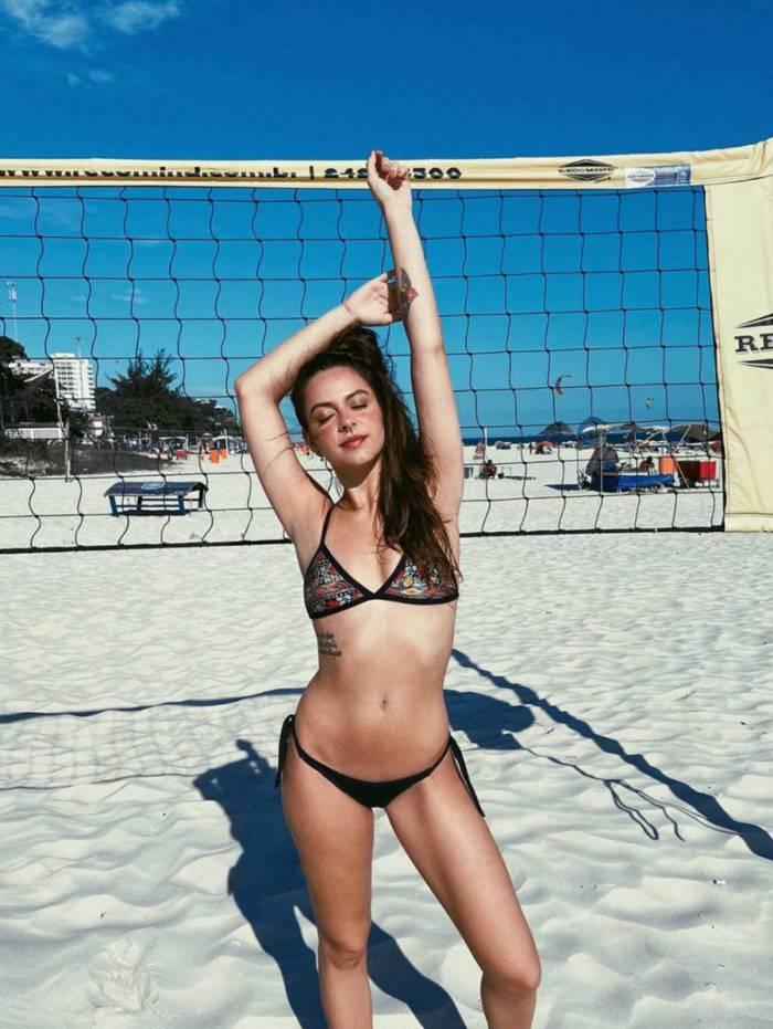 Yasmin Sant'Anna, filha de Dedé Santana, sensualiza nas redes sociais