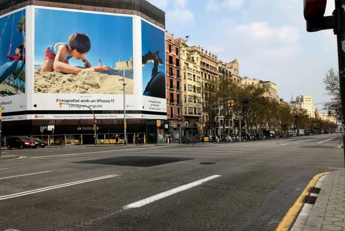 Ruas vazias e comércios fechados em combate a expansão do covid-19 na Espanha