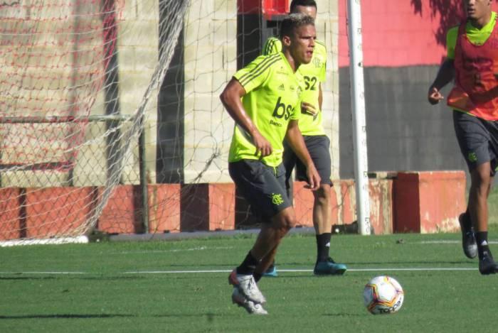 Thiago atua pelo Sub-20 do Rubro-Negro