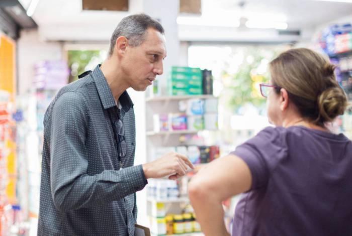 Fiscais realizam visita nas farmácias do município
