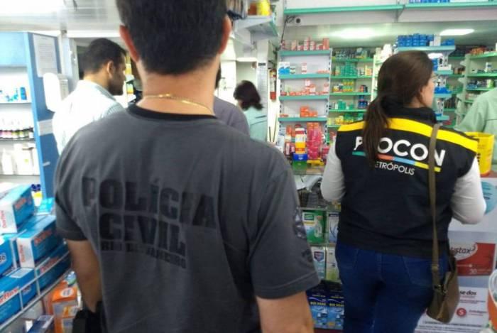 Ação em Petrópolis combate preço abusivo de álcool em gel