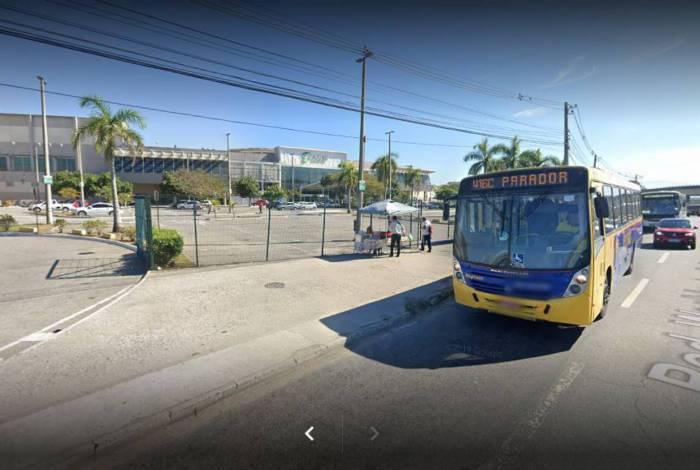 Motorista de aplicativo foi sequestrado na Rodovia Washington Luiz, em frente ao Caxias Shopping