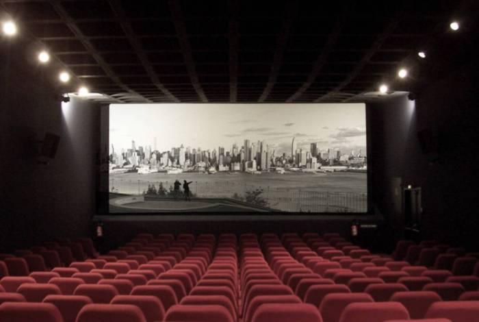 Salas de cinema são fechadas ao redor de todo o país