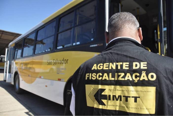 Fiscais do Instituto Municipal de Trânsito e Transporte de Campos (IMTT) têm observado o cumprimento dos protocolos de segurança contra o coronavírus