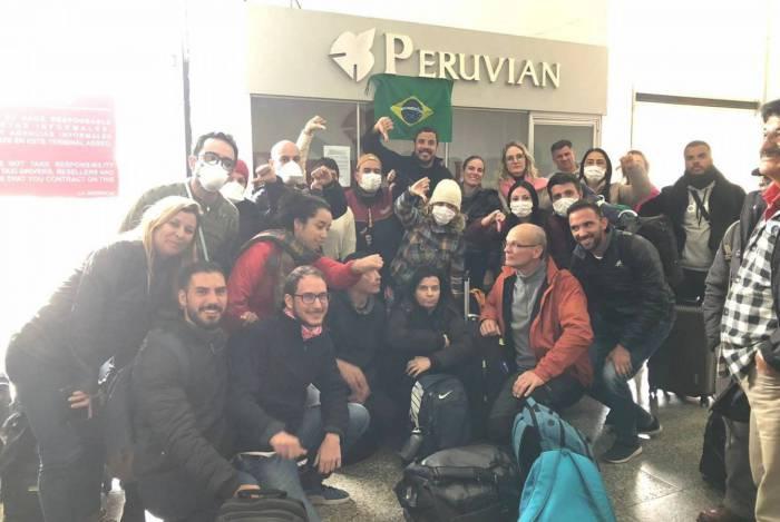 Brasileiros que estão no Peru acusam golpistas de tentarem vender passagens falsas: já estão sem dinheiro