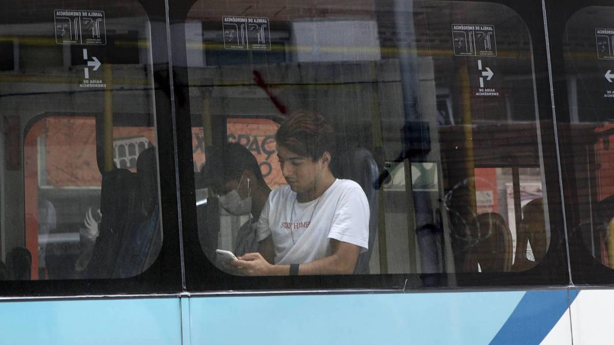 Rio- 17/03/2020 - COVID-19 - Coronavírus - Movimentação de passageiros na cidade do Rio de Janeiro. Foto Reginaldo Pimenta