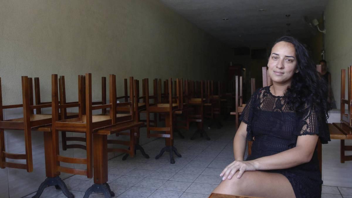 Rio - 19/03/2020  - COVID-19 - Coronavírus - Movimentação em Niterói após decreto do prefeito. Na foto, Fabiana Pires do restaurante do Titio -  Foto Reginaldo Pimenta