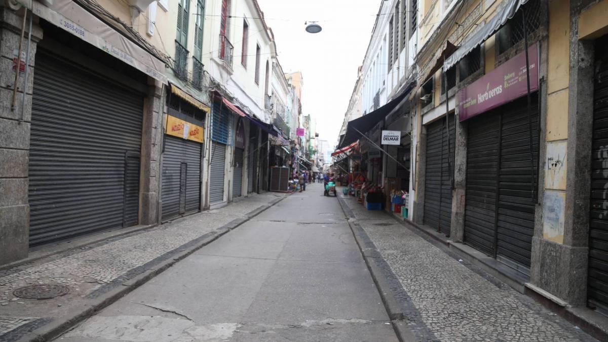 Rio,20/03/2020 - COVID-19 - Coronavírus - SAARA- CENTRO - Comercio no Saara parcialmente fechado por conta do novo coronavírus. Na foto lojas vazias. Foto: Cleber Mendes
