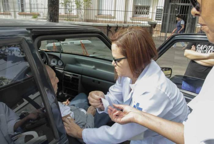 Objetivo é imunizar os idosos sem que seja necessária a exposição em aglomerações