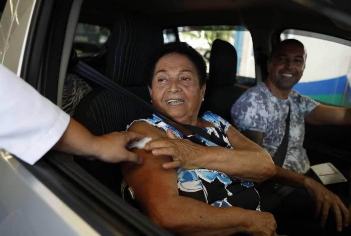 Rio, 23/03/2020, Vacinacao dos idosos no posto do Detran da Tijuca, na foto Anailde Rodrigues, Foto de Gilvan de Souza / Agencia O Dia