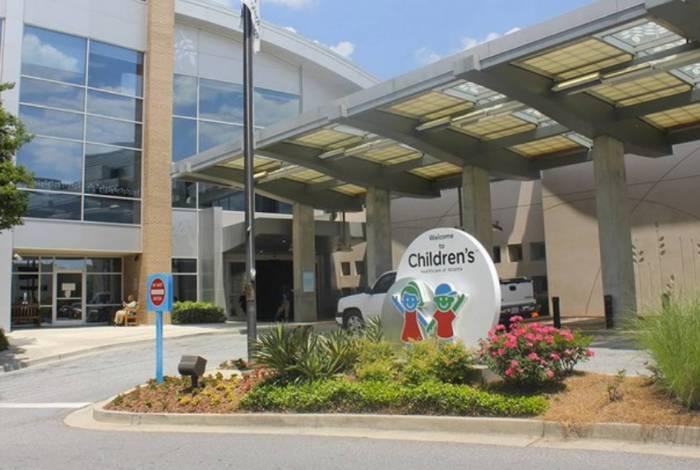 Garota de 12 anos está hospitalizada no Hospital Socttish Rite, em Atlanta, nos Estados Unidos