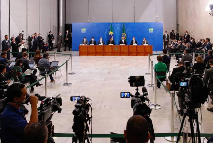 Presidentes da República, Jair Bolsonaro e  do Supremo Tribunal Federal, ministro Dias Toffoli, fazem declaração à imprensa no Planalto