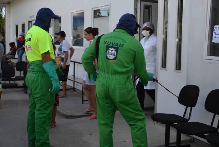 Agentes da SUVAM estão visitando as unidades de saúde e pulverizando os arrecadores de cada uma delas