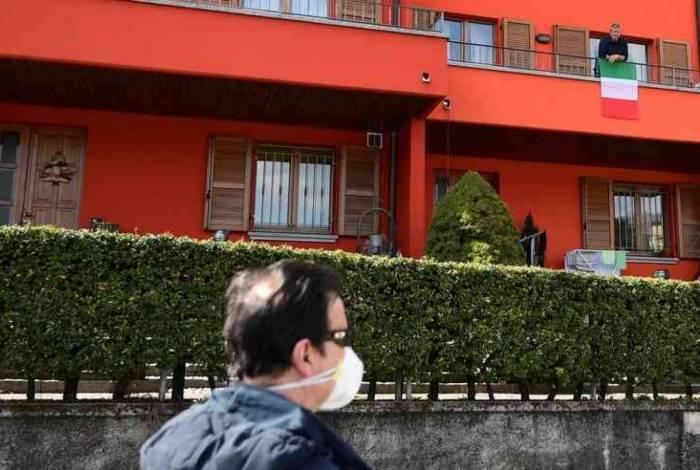 Itália é o país que registra o maior número de mortes por coronavírus, superando a China.