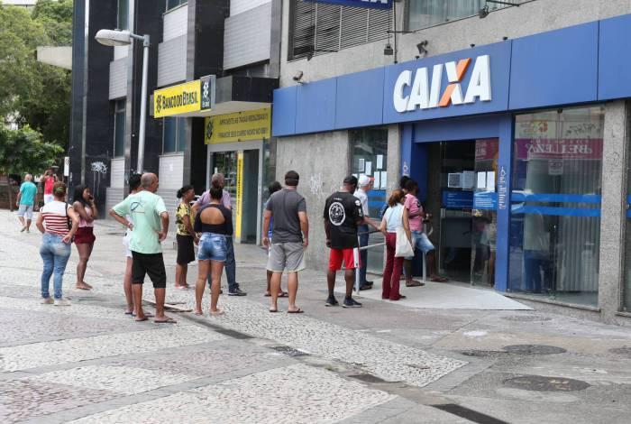 O pagamento do auxílio aos trabalhadores informais será realizado exclusivamente por instituições financeiras federais, como Banco do Brasil, Caixa Econômica Federal, Banco do Nordeste e Banco da Amazônia