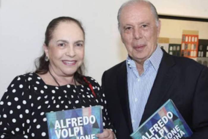 Mirna Bandeira de Mello e o marido