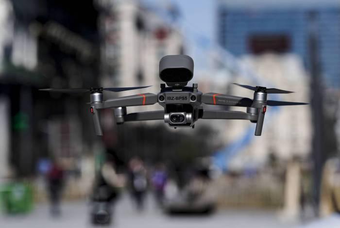 Drones estão sendo usados para entregar comidas e remédios