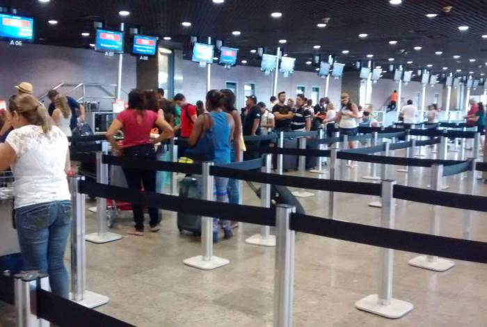 Filas em Aeroportos