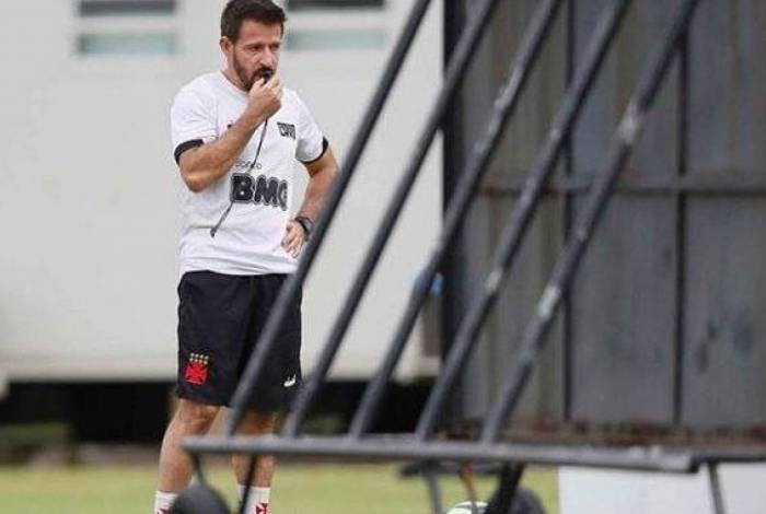 Novo técnico do Vasco, Ramon estreia amanhã no jogo contra o Macaé