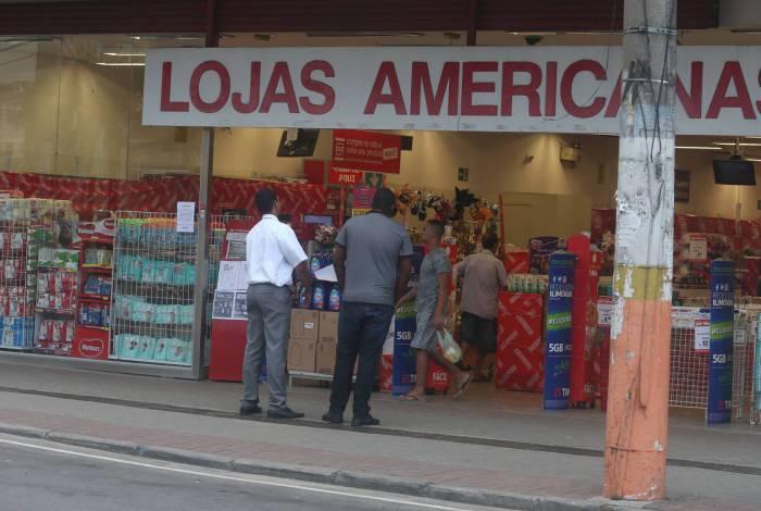Algumas lojas reabriram em Belford Roxo, Região Metropolitana do Rio, mesmo com as restrições