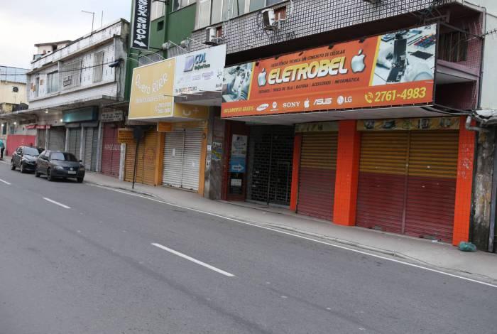 Algumas lojas reabriram em Belford Roxo, Região Metropolitana do Rio, mesmo com a crise do Coronavirus, nesta terça-feira (31).