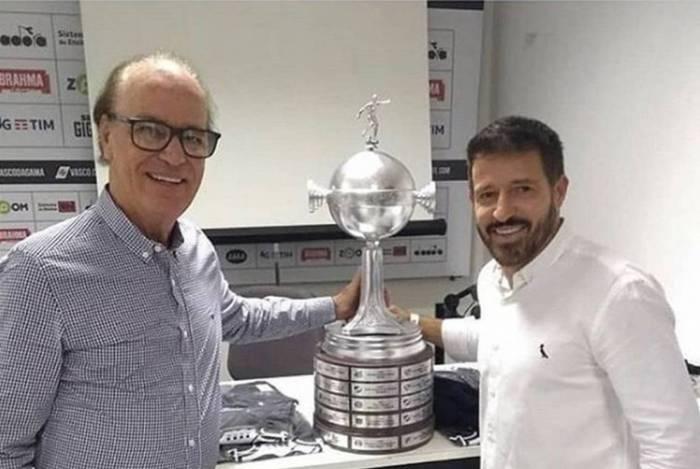 Antônio Lopes ao lado de Ramon, novo técnico do Vasco