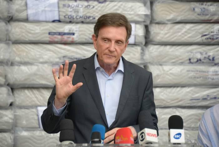 Marcelo Crivella, prefeito do Rio, requisitou apoio militar para a chegada de novos aparelhos médicos