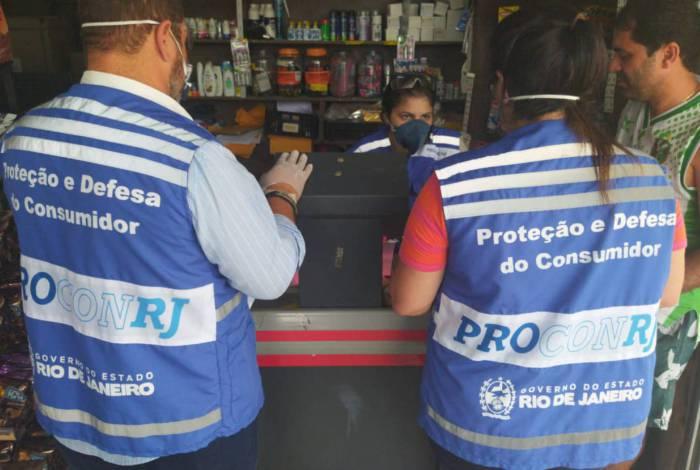 Polícia Civil e Procon-RJ realizam operação para combater aumento abusivo de preços durante estado de pandemia