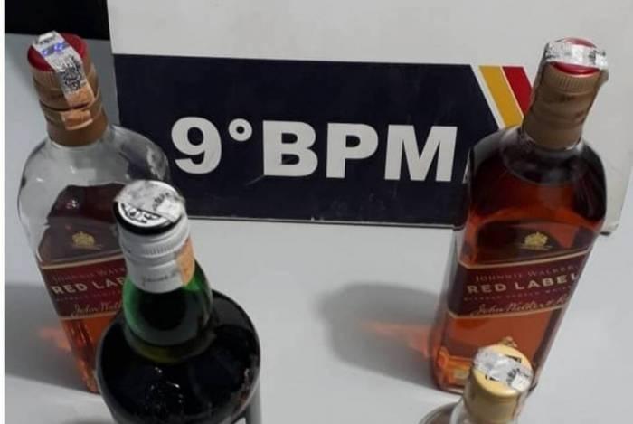 Polícia prende onze pessoas durante orgia em motel em Cuiabá