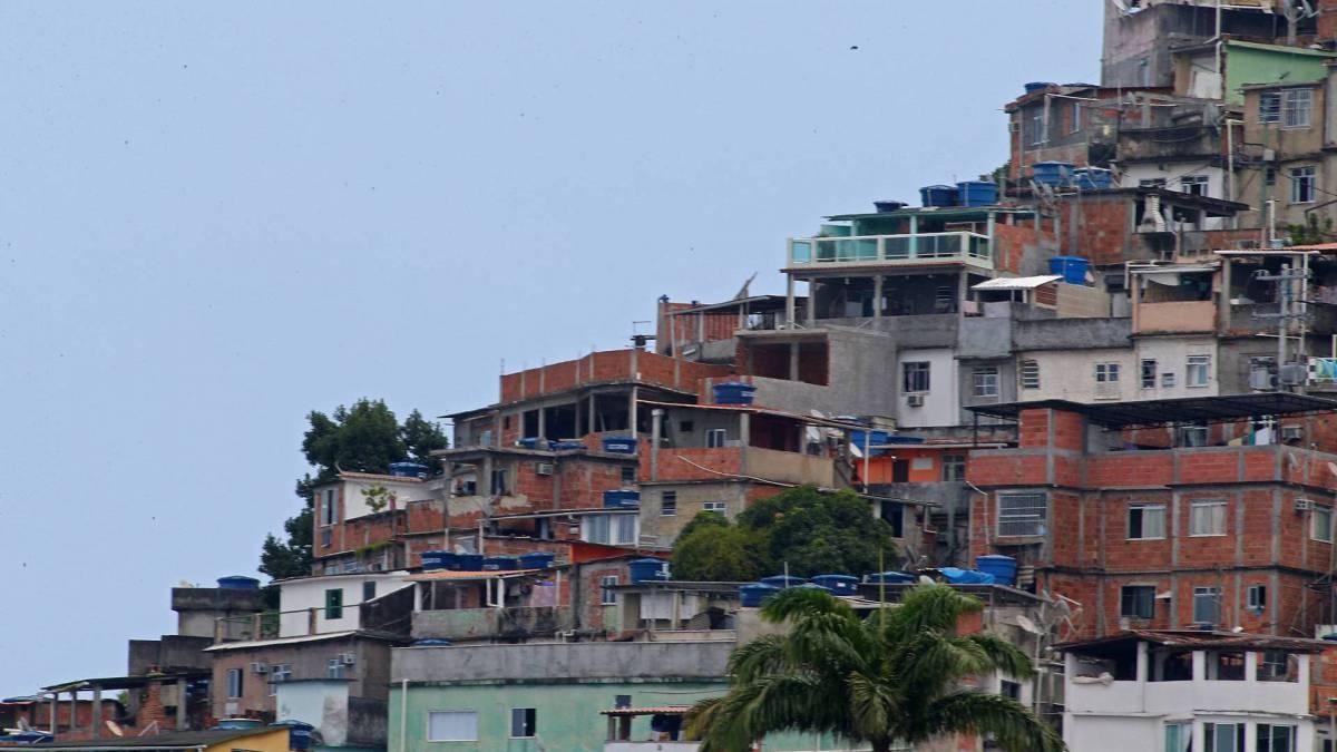 Rio - 31/03/2020 - Covid-19 - Coronavírus - Com o Rio em quarentena. Vidigal visto do Mirante do Leblon. Foto: Daniel Castelo Branco / Agencia O Dia