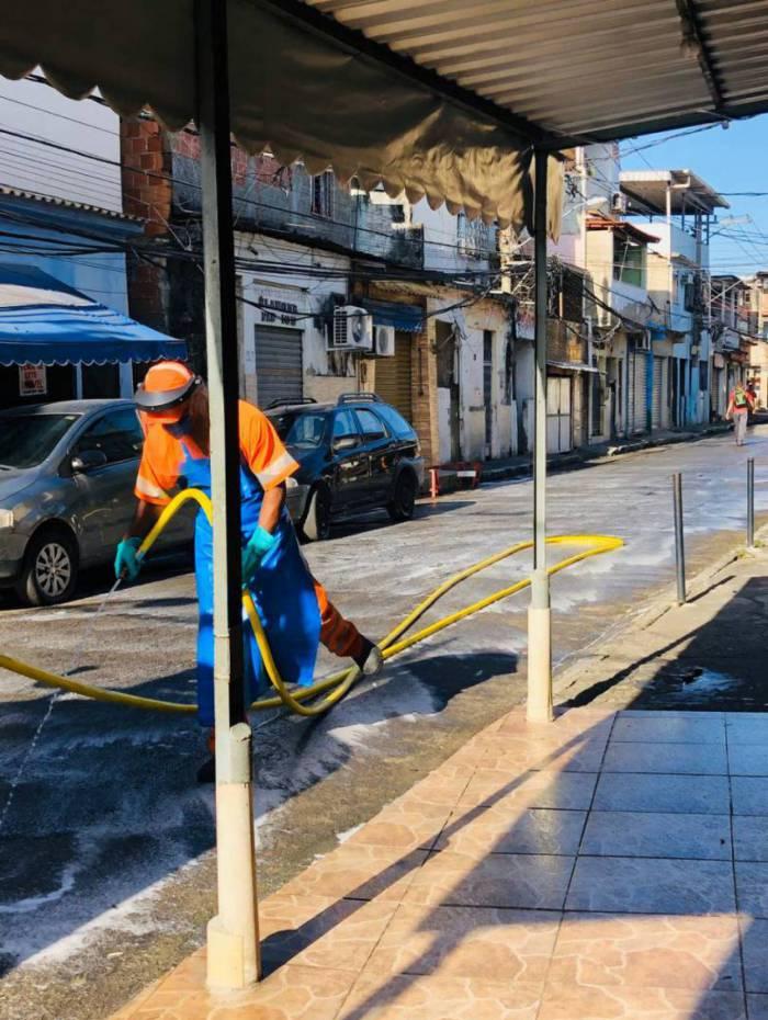 Comlurb monta operação especial para intensificar higienização nas comunidades