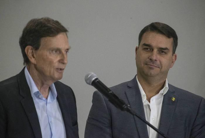 Senador Flávio Bolsonaro entrou no Republicanos com as bênçãos do prefeito Marcelo Crivella