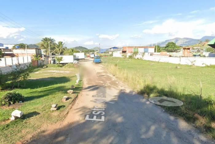 Estrada do encanamento, em Campo Grande