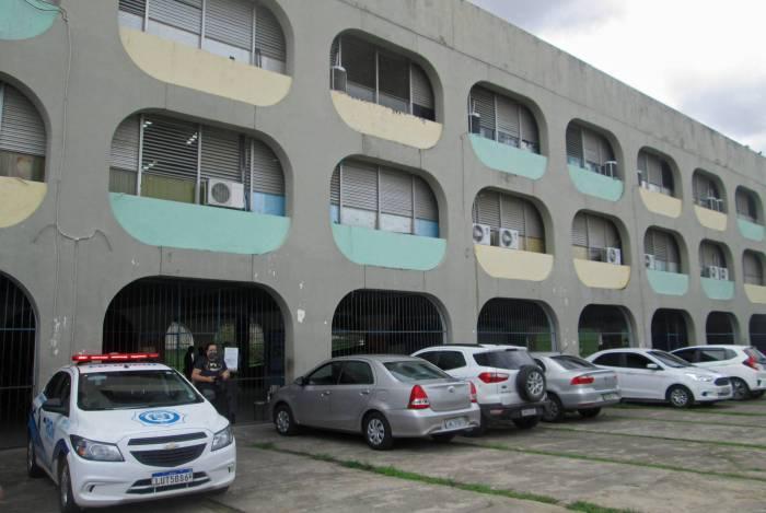 Entrega do benefício começou no último domingo, em Santa Cruz e Pavuna