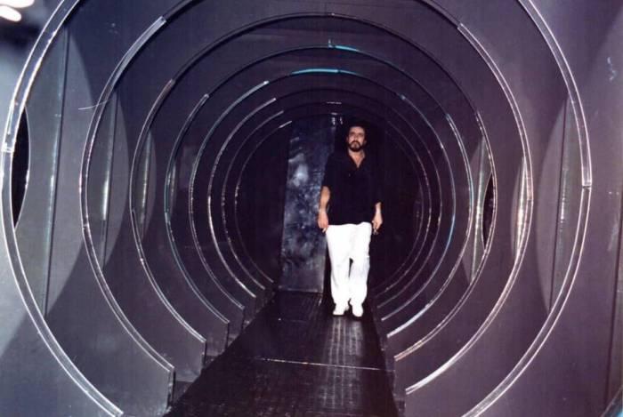 Justino Macedo em sua ícona discoteca em Duque de Caxias