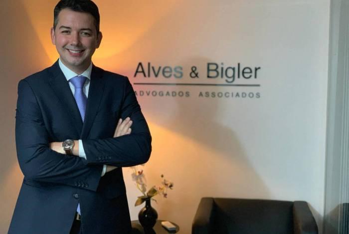 Advogado Roberto Bigler, dono de uma empresa que gerencia cerca de 200 condomínios entre Baixada Fluminense, Grande Rio e alguma parte da Zona Oeste